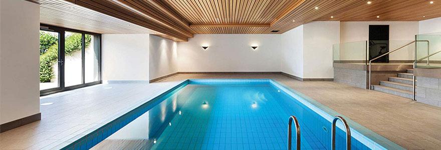 piscine sur mesure à l'intérieur